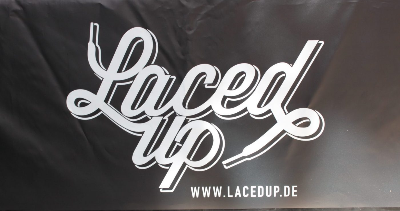 Laced Up Snakermesse